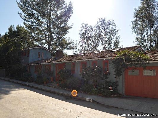 01055-Los Angeles