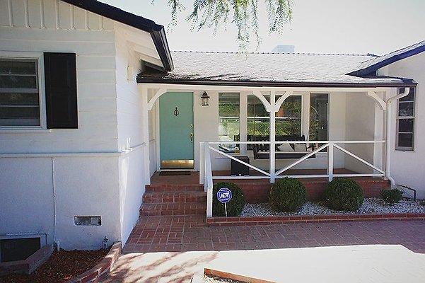01858 East San Fernando Valley