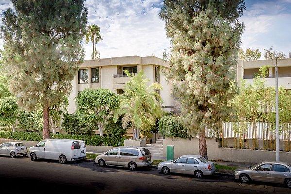 02221-East San Fernando Valley