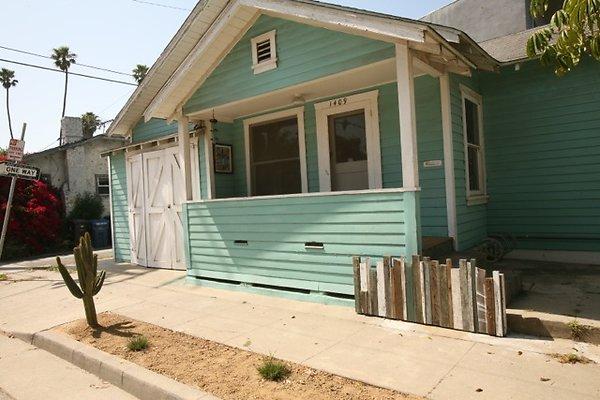 01483-West Los Angeles