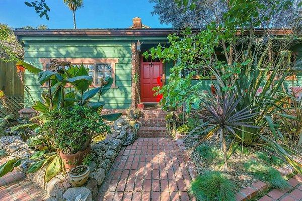 02536-West Los Angeles
