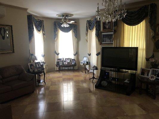 17 Living Room Side 2