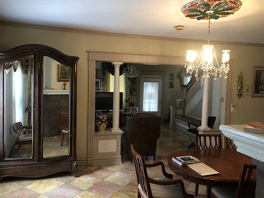 21 Dining Room Facing Living Room