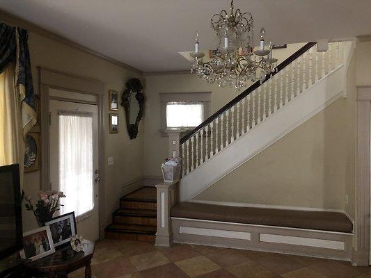 19 Living Room Facing Stairway
