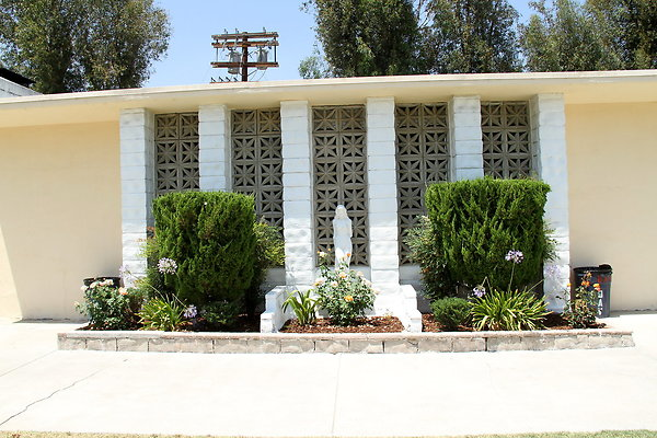 01549-West San Fernando Valley